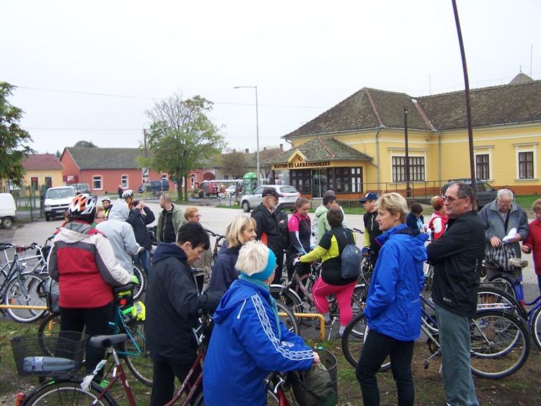 Borok útja kerékpártúra Sóshalomra